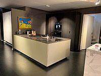 Italiaanse design keuken in Fenix goud + fineer
