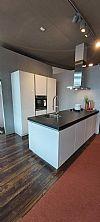 Hoogglans wit eiland keuken