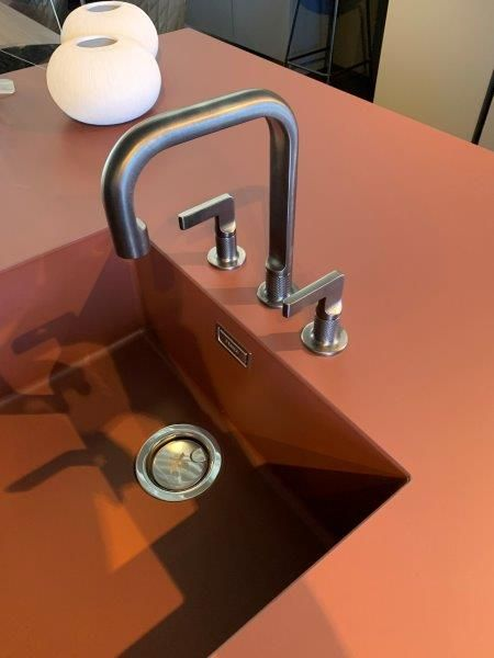 Italiaanse design keuken rood + gunmetal
