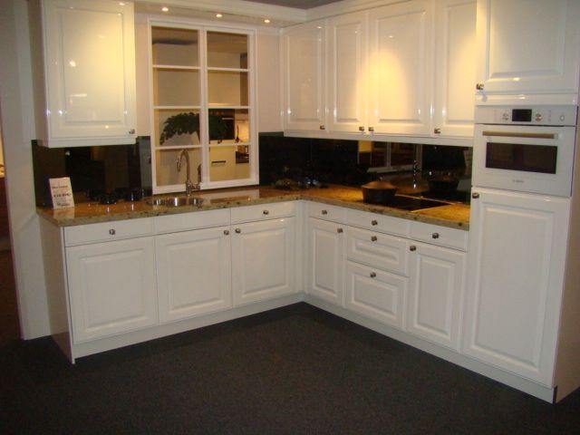 Keuken Landelijk Wit : nostalgische keuken in hoogglans wit 45608 een nostaligische keuken