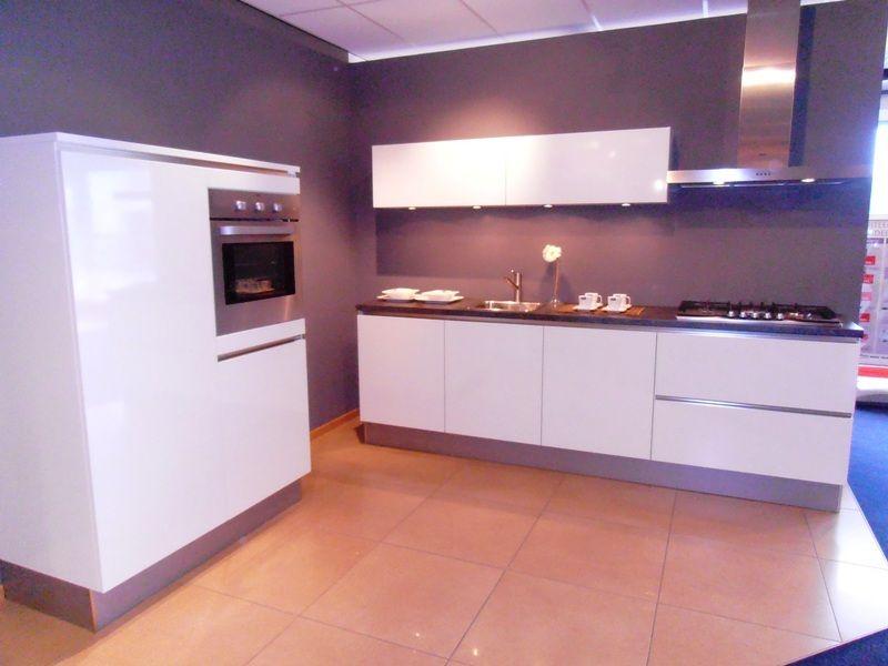 Witte Hoogglans Keuken Greeploos : keukenaanbod van Nederland Greeploze hoogglans keuken [45627