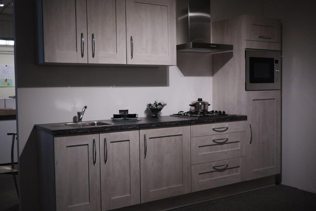 Keukens Rechte Opstelling : Xnovinky com Zwart Rechte Keuken