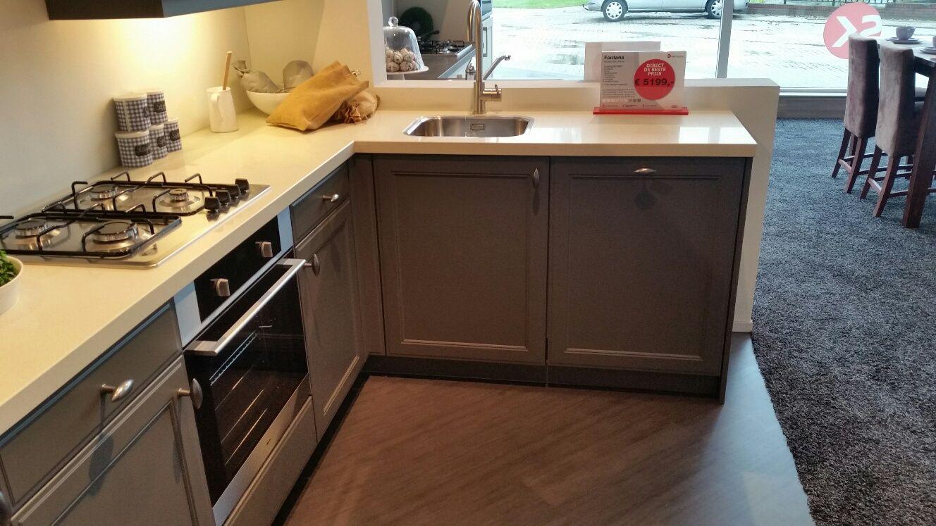 Keuken idee eiland kleur - Moderne keuken kleur ...