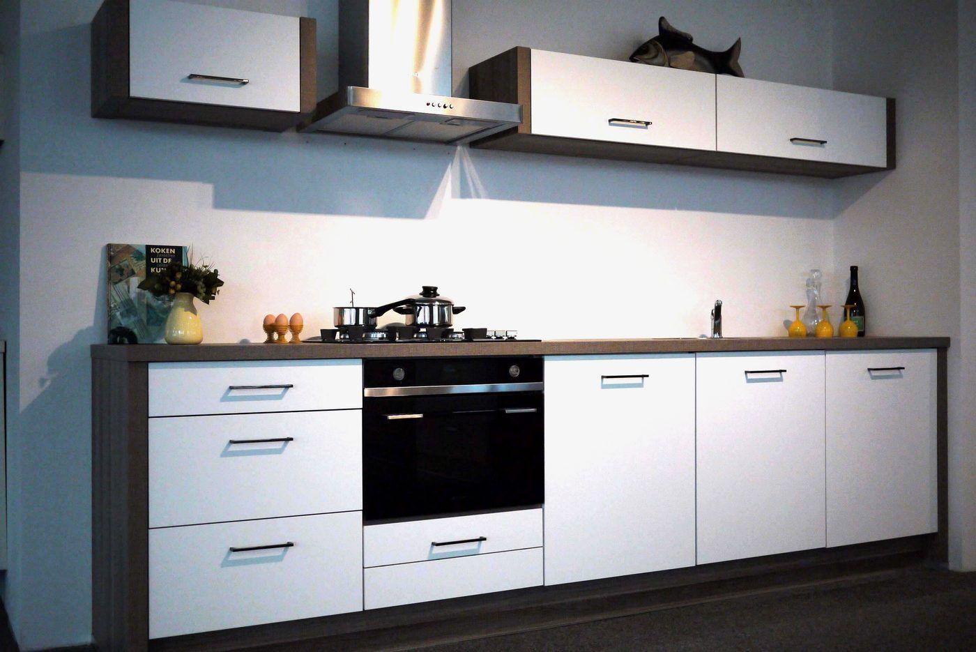 Het grootste keukenaanbod van nederland rechte keuken wit mat lak x07 55608 - Model keuken wit gelakt ...